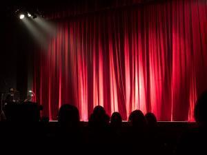 restaurant cabaret live club paris